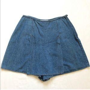 Vintage 90's jean skort/ shorts